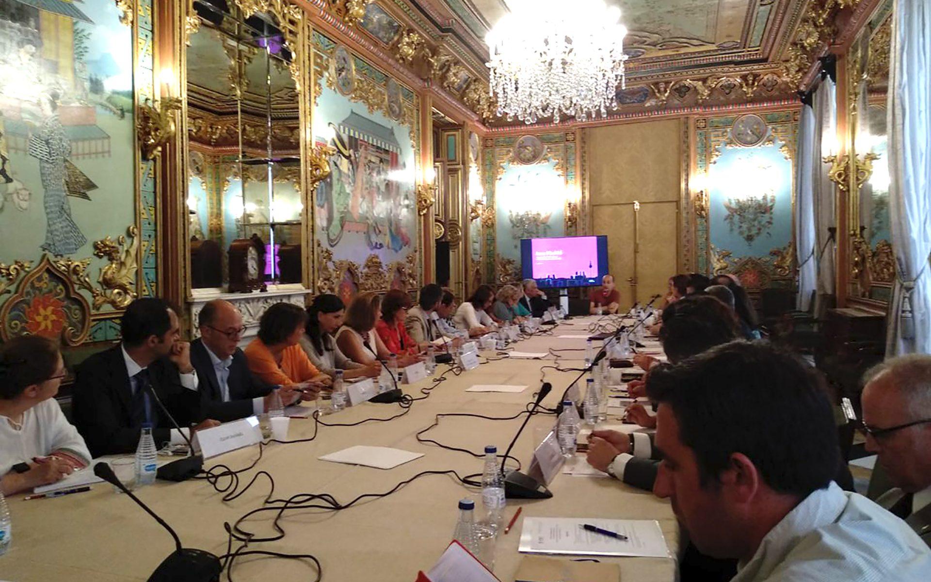 Reunión del Foro de Empresas en el Palacio de Santoña