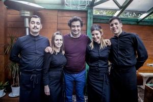 participantes cocineros en la vuelta a España en vehículo eléctrico