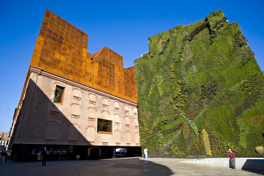 cubierta verde en Caixa Forum de Madrid