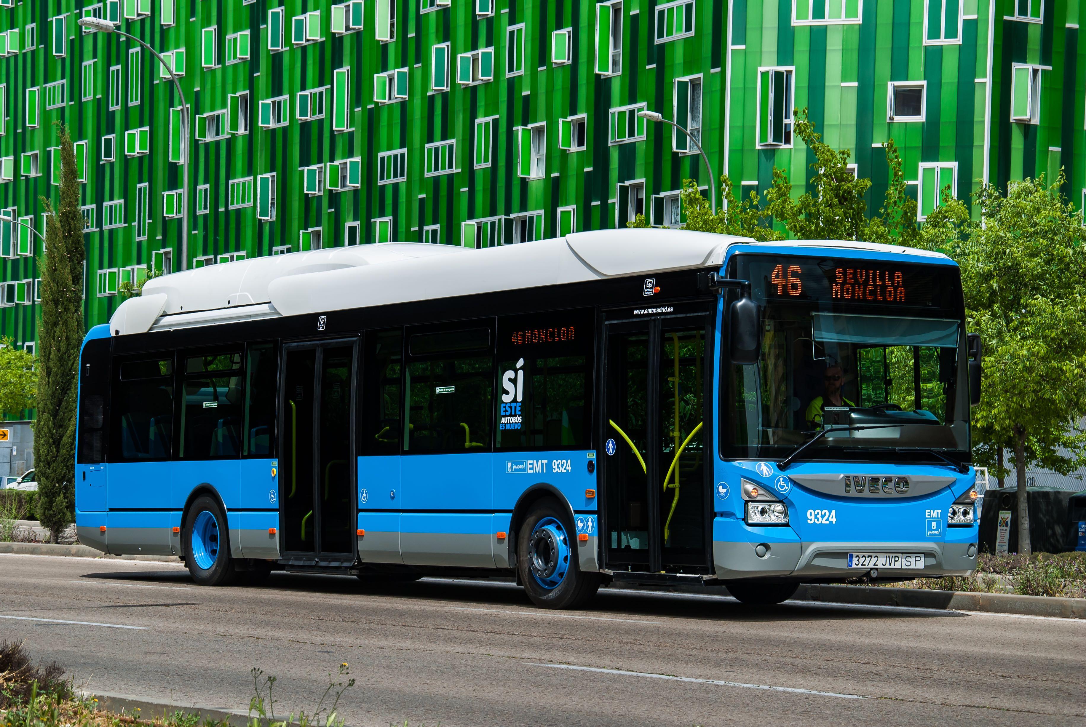 autobús de la EMT en la ciudad de Madrid