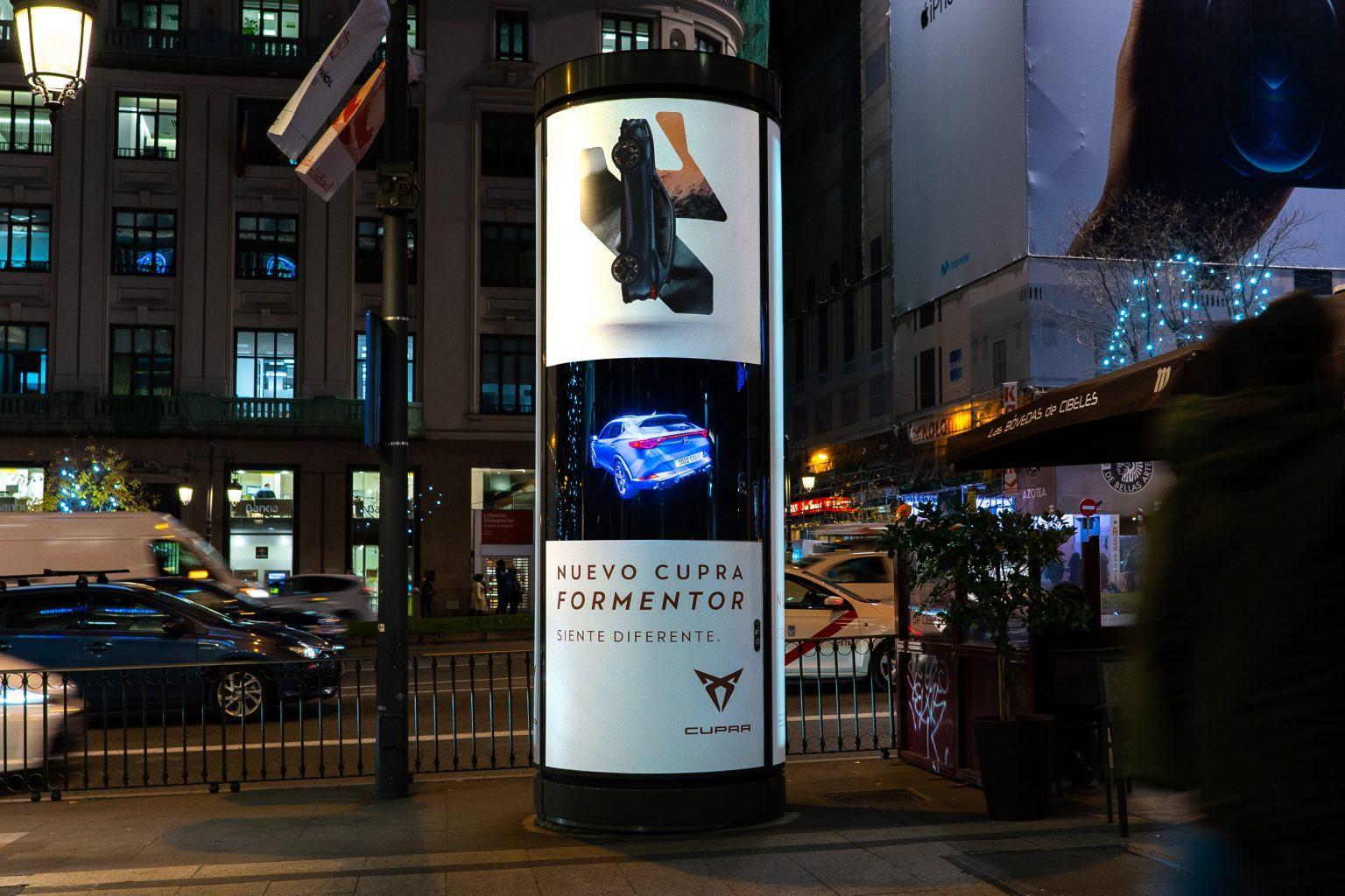 soporte de publicidad de Clear Channerl